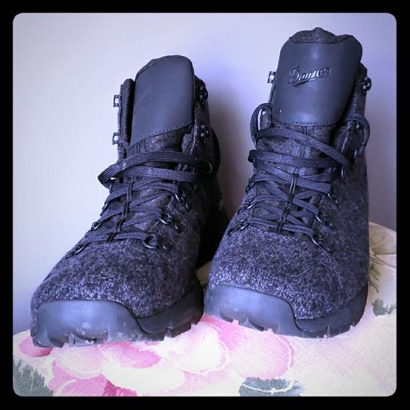 b9099e524d3 Danner Mountain 600 Boots - Size 13